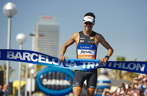 BARCELONA, SPAIN - JUNE 21:  Garmin Barcelona Triathlon  2015 at Playa de la Mar Bella on June 21, 2015 in Barcelona, Spain. (Photo by Manuel Queimadelos)