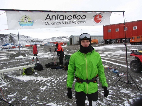Fernando González antes de inicar el Antarctica Marathon