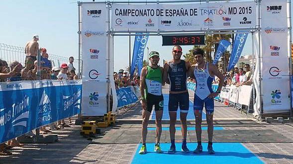 podio-masculino_Cto-Esp_Tri_MD_Valencia-2015-589x330