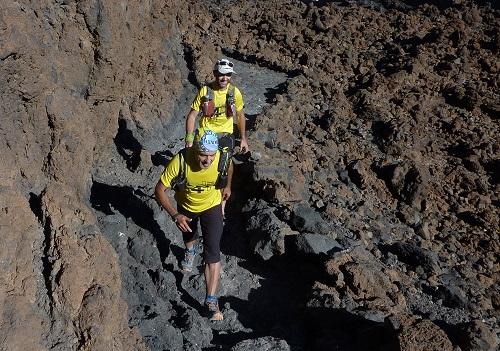 1. Ascendiendo entre las coladas de lava del Teide