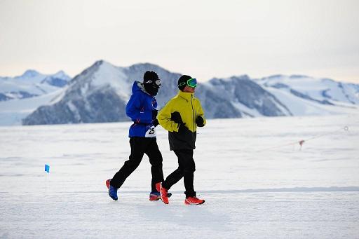Corredores del Antarctic Ice Marathon 2015_3