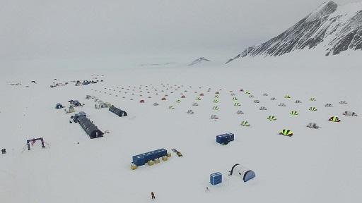 Vista aérea de la base polar Union Glacier