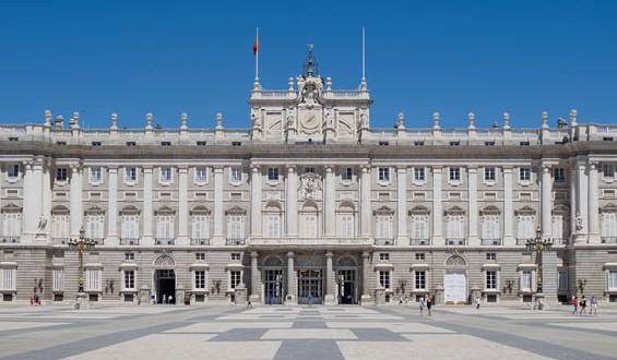 Palacio_Real_de_Madrid_-565x330