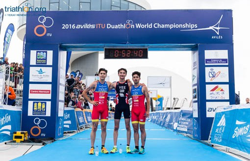 Alberto-Gonzalez_Javier-Lluch_Aviles_podio_2016-510x330
